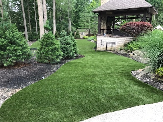 Bentleyville, Ohio, residential backyard featuring DuPont™ ForeverLawn® Select LX installed by ForeverLawn Northern Ohio